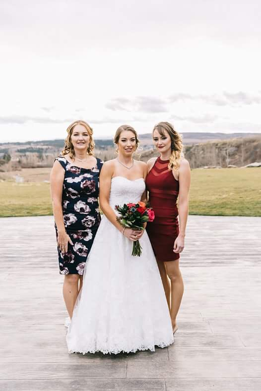 Bride Shandri with Mom and Sister