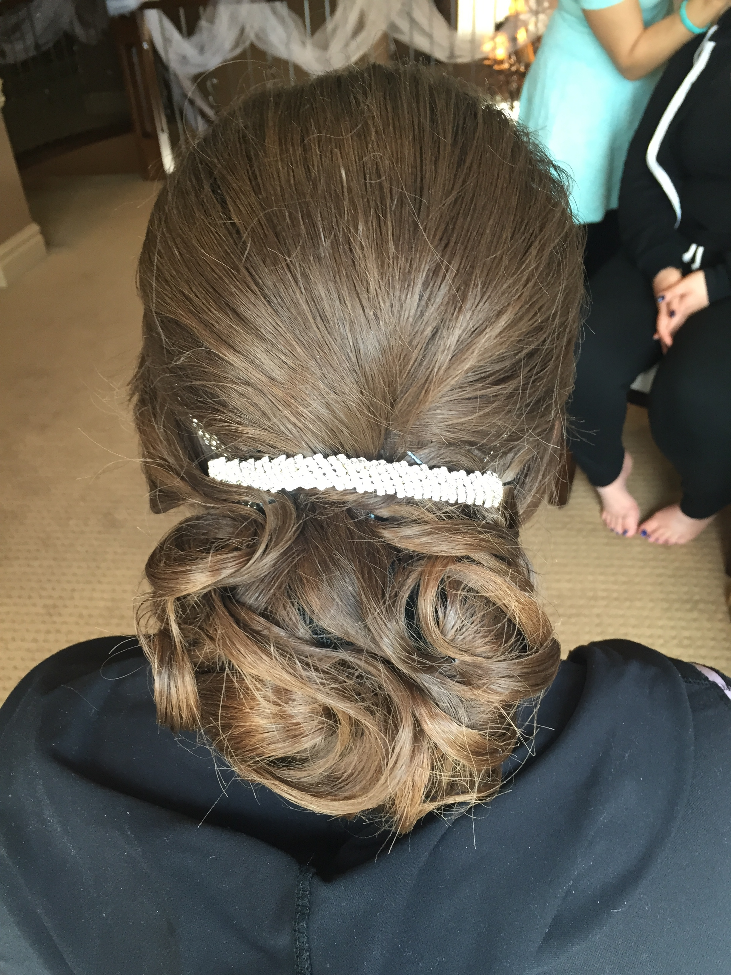 bridal low-do-by Jamie